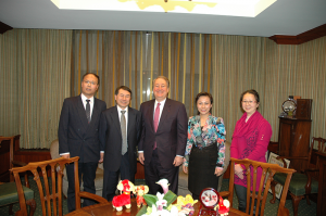 Left to right: Dr. Jintang Wang, MMAAP Foundation President Dr. Sean Leng, MMAAP Foundation Chairman Mr. Howard Milstein, Dr. Xiao-xuan Ning, and Dr. Min Ouyang